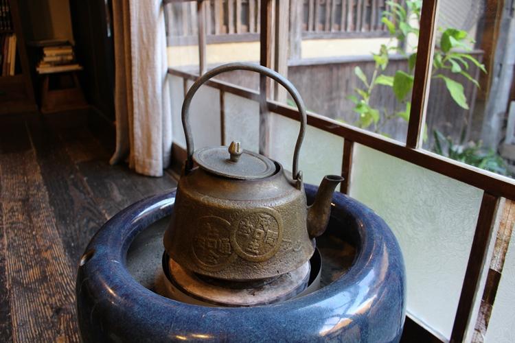 火鉢 練炭 七輪・火鉢・囲炉裏の「炭火関連用語集」