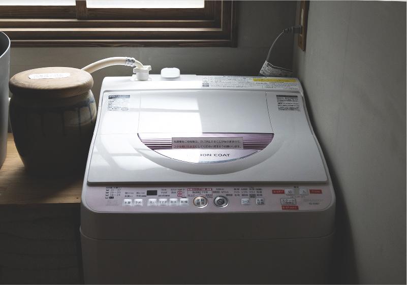洗濯機・洗剤・物干し・アイロン